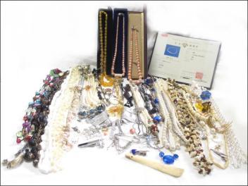 ★大量アクセサリー ホワイト・ピンク本珊瑚 琥珀 真珠 色石 ネックレス レディース 約1.4kg以上 273