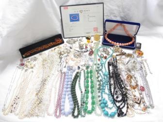★ 大量アクセサリー 本珊瑚 琥珀 色石多数 水晶 本真珠 等 ネックレス等 大量おまとめセット まとめ売り 1.5Kg 274