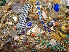 6168[K]●大量●アクセサリー まとめ/天然石/パール/コインモチーフ/色石/ストーン/ゴールドカラー/ネックレス/イヤリング/他 約3.6kg