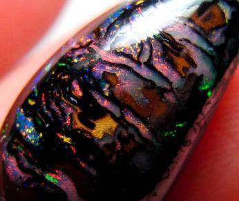 秘蔵!!! AAA 9.40cts 天然 コロイト ボルダーオパール 極美パターン マルチカラー